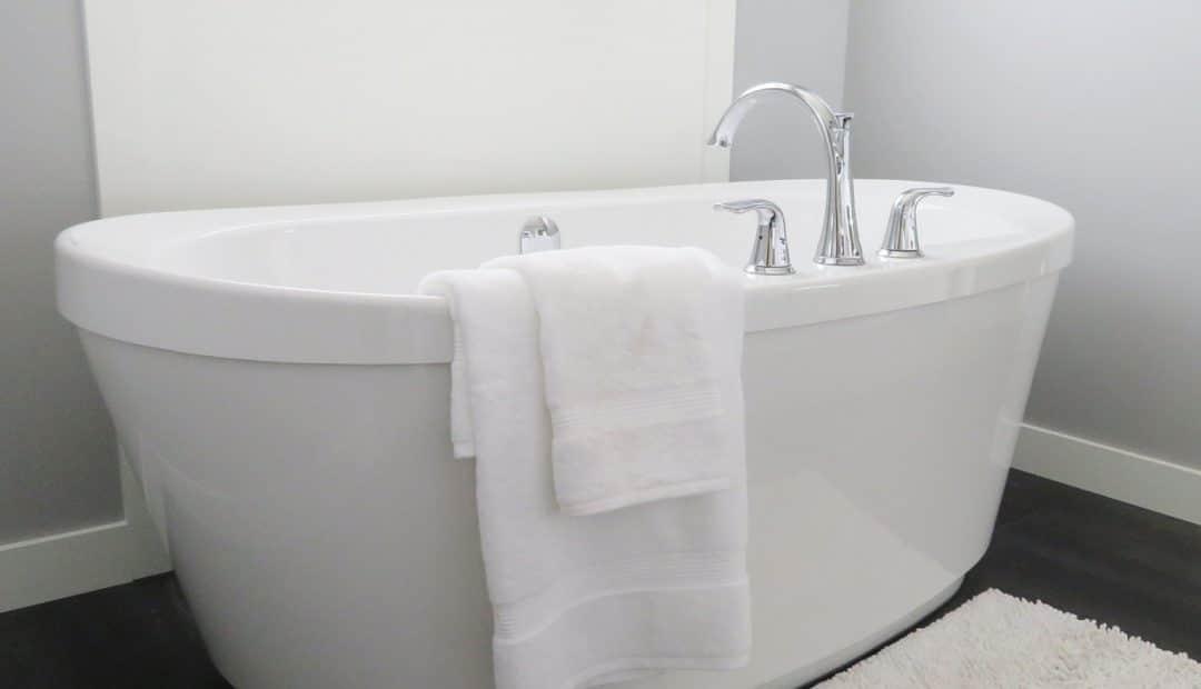 Pourquoi adopter une baignoire d'angle ?