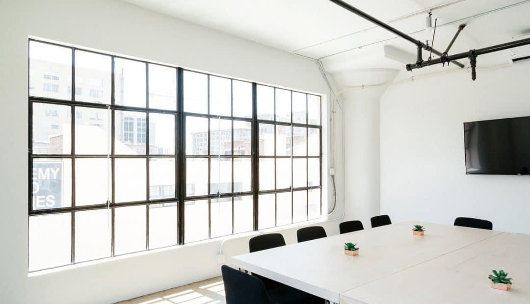 Comment optimiser la réalisation d'un faux plafond ?